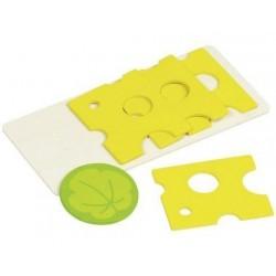 Doplňky pro dětskou kuchyňku – plátky sýra na prkýnku